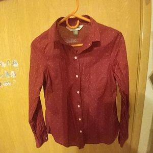 Classic button up shirt with long sleeves